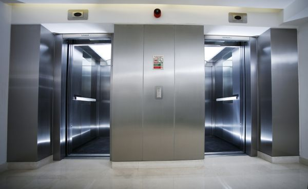 BOUTIQUE COMMERCIAL LIFTS FOR PUBLIC SPACES