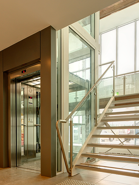 commercial lifts AVANTI